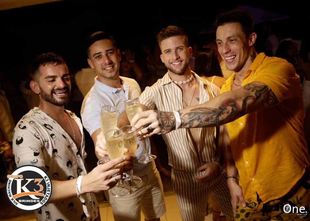 Taças de champanhe personalizada pela k3 brindes Maringá (1)