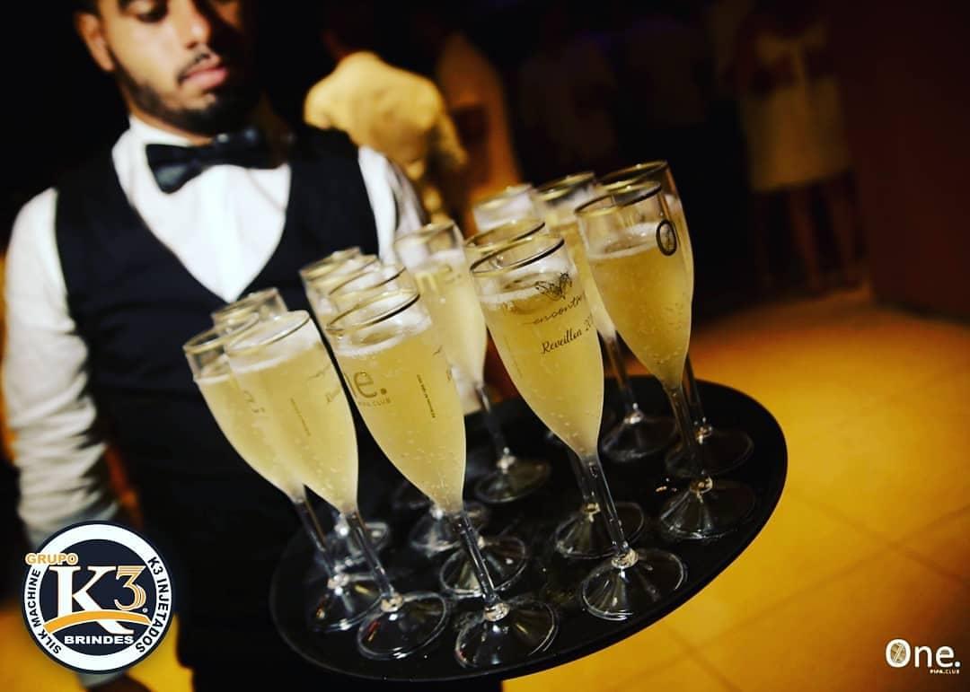 Taças de champanhe personalizada pela k3 brindes Maringá (4)
